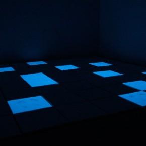 Artsiom Parchynski, Senza titolo, 2012, gesso, acrilico, luce di Wood, 345x345 cm